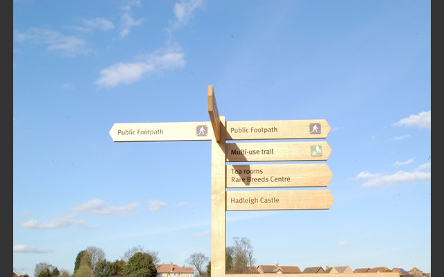Hadleigh Park directional signage